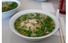 12 - Soupe repas tonkinoise au poulet, légumes et nouilles